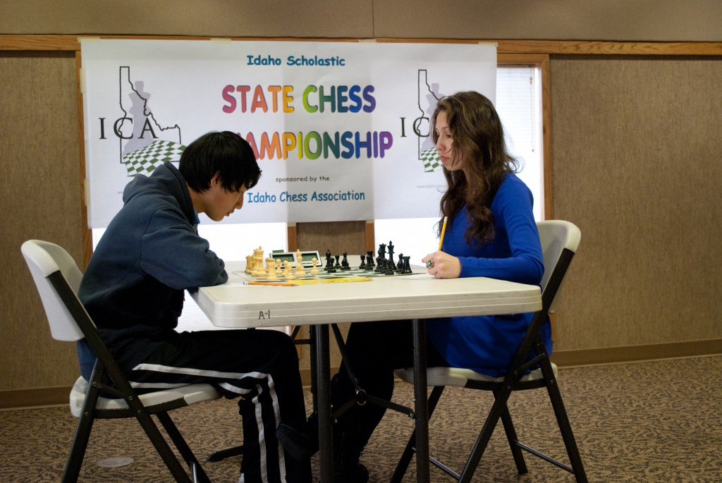 Nathan Jiang (left) vs. Savanna Naccarato (right) at the 2013 Idaho Scholastic Championship. Photo credit: Jeff Roland